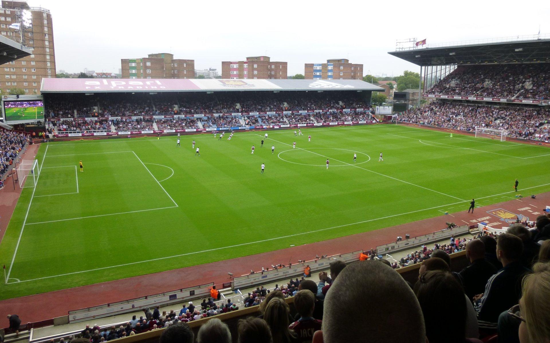 West Ham United F.C. (Football Club) of the Barclay's ...